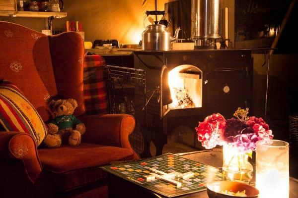 Cosy Glamping Holiday Tent in Edale