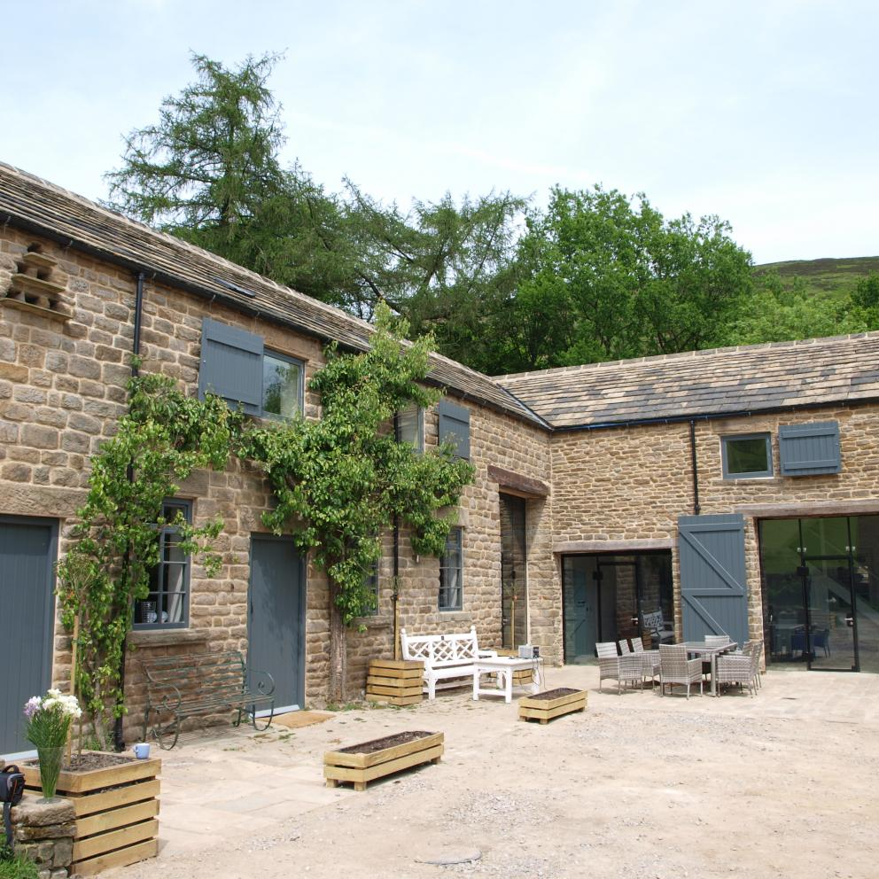 The Shooting Lodge Edale Gathering The Peak District